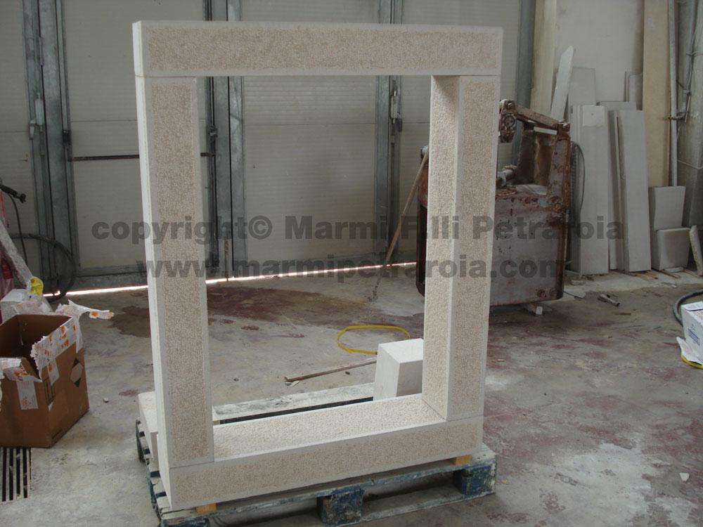 Cornici per finestre in pietra marmi petraroia - Cornici finestre in pietra ...